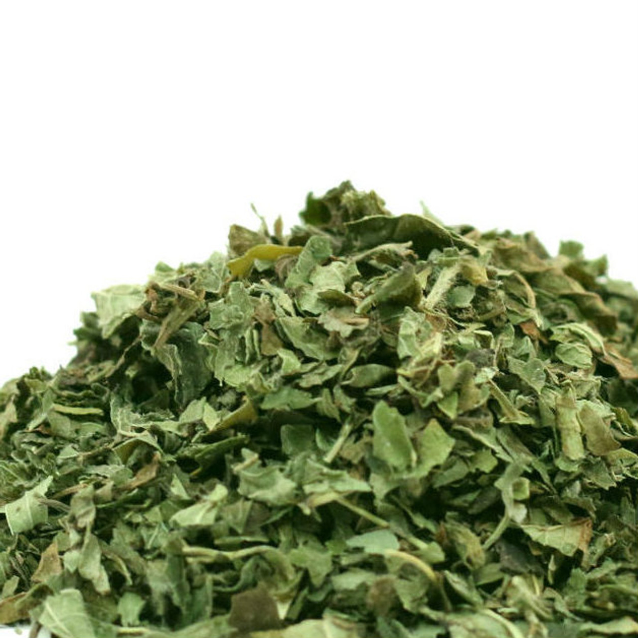 Used by ancient Greeks and Romans to alter the flavor of wine, lemon balm has a delicate lemony flavor. Use to sweeten jam, jellies, as an addition to salad, and as a flavoring for various fish and poultry dishes (and even liqueurs). It is also often used as a tea ingredient to add a crisp citrusy flavor.