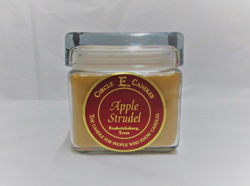 Circle E Candle, Apple Strudel 28 oz.