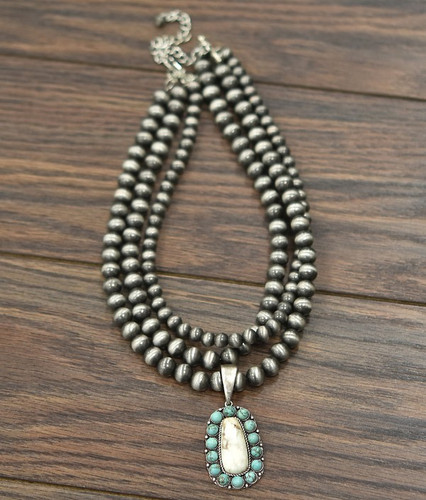 Isac Trading Necklace, Navajo Pearl with Turquoisue and White Stone, 3 Strand