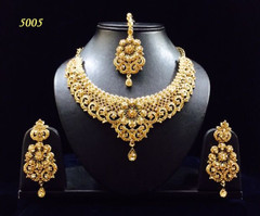 Stunning Gold Plated Diamond Look Necklace Set1949