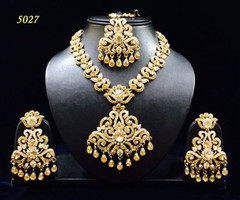 Stunning Gold Plated Heavy Necklace Set1971