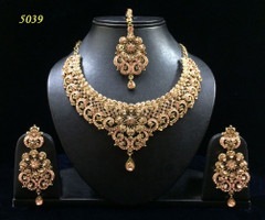 Stunning Gold Plated  Necklace Set1982