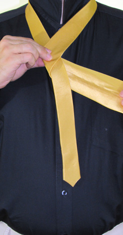 How to Tie a Four In Hand Necktie Knot | Step 3