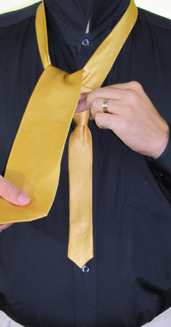 How to Tie a Four In Hand Necktie Knot | Step 5
