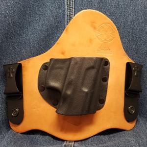 13068 CrossBreed SuperTuck TAURUS 24/7 / Right Hand / Premium Hardrolled Cow