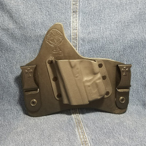 13843 CrossBreed SuperTuck GLOCK 43 with Crimson Trace LL-803 / Left Hand / Black Cow / Combat Cut