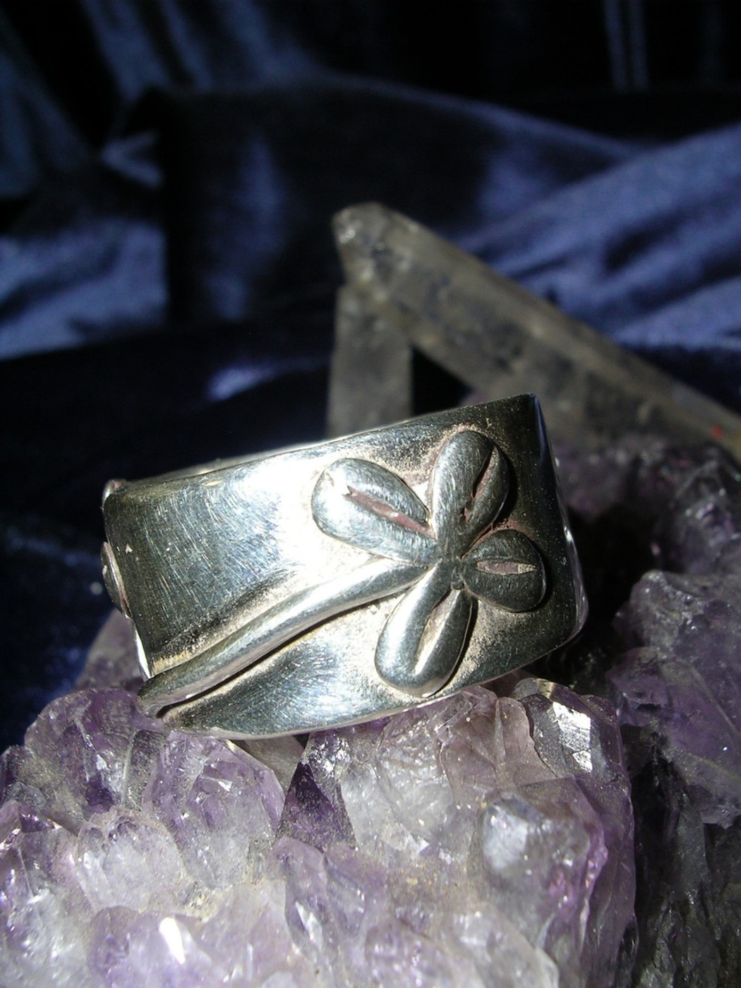 Lucky 4 Leaf Clover Wealth Ring for Abundant Blessings, Money Magick