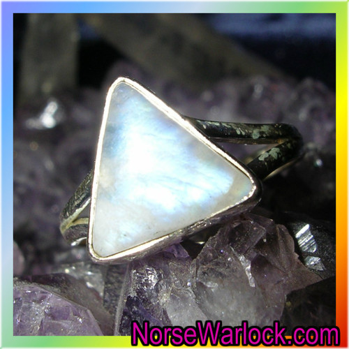 Power of Three Magick Ring ✦ Good Deeds Come Back to You Threefold