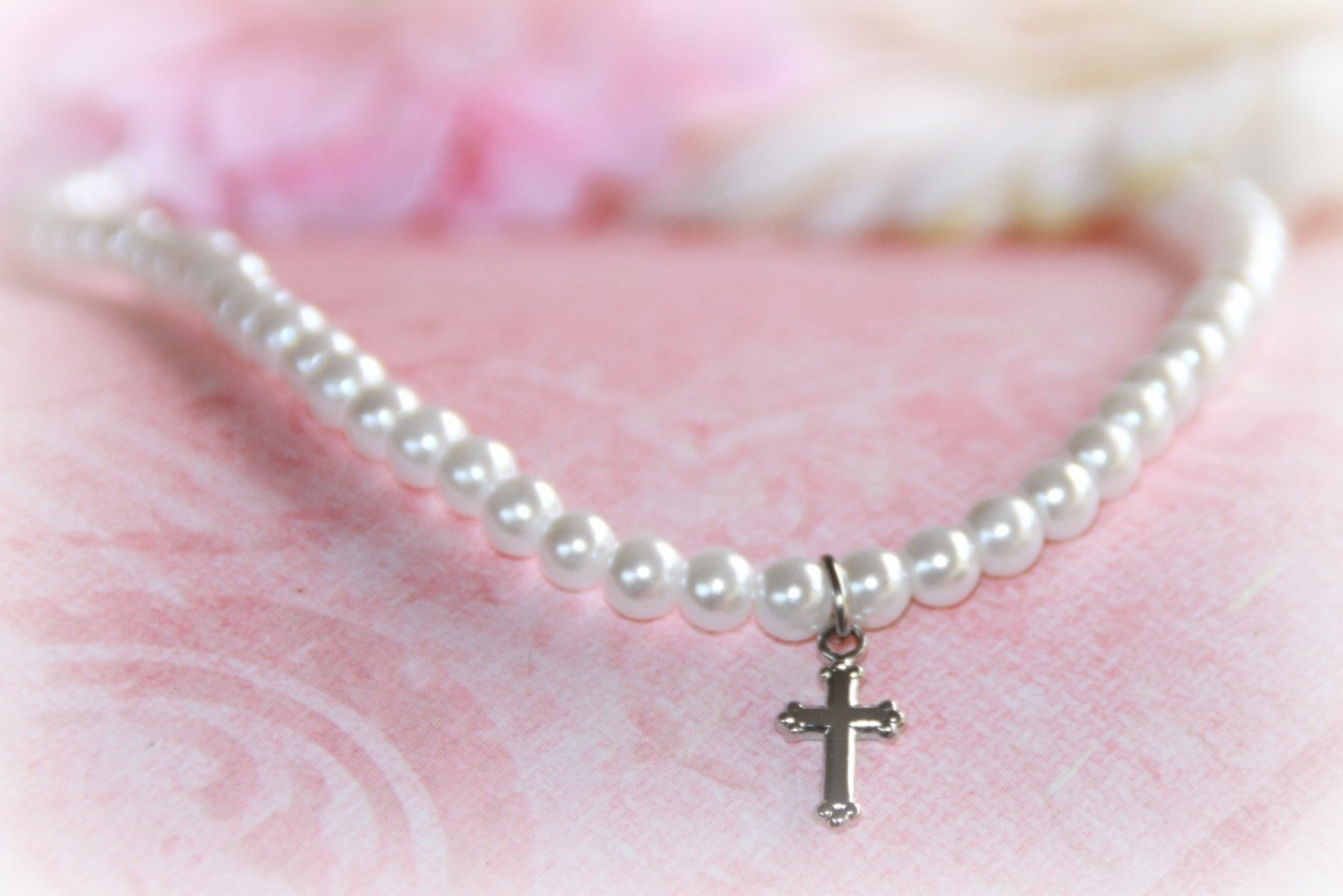 """CJ-488 Glass Pearls 15"""" necklace with Rhodium Cross"""
