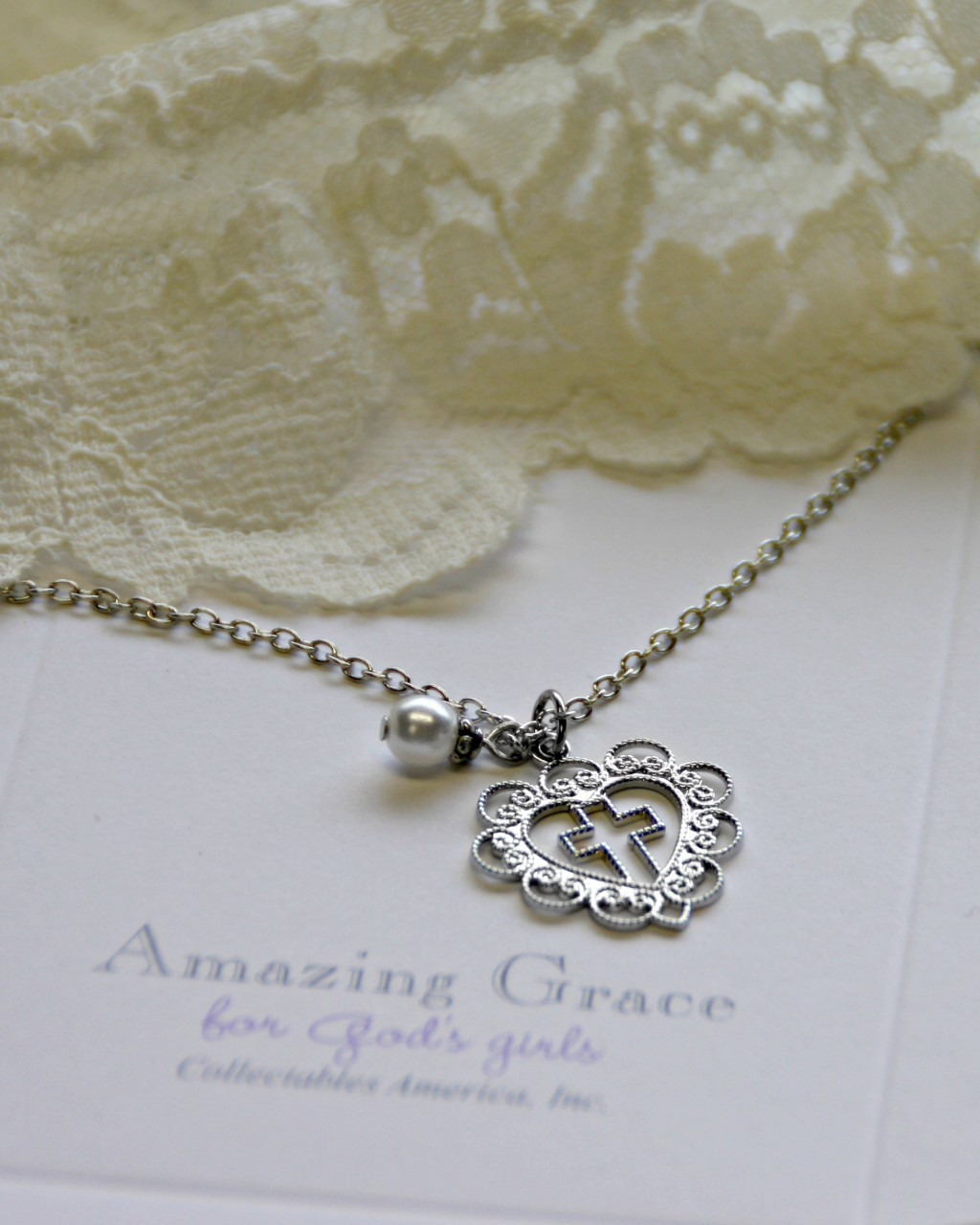 GG-28  Amazing Grace Lace Heart