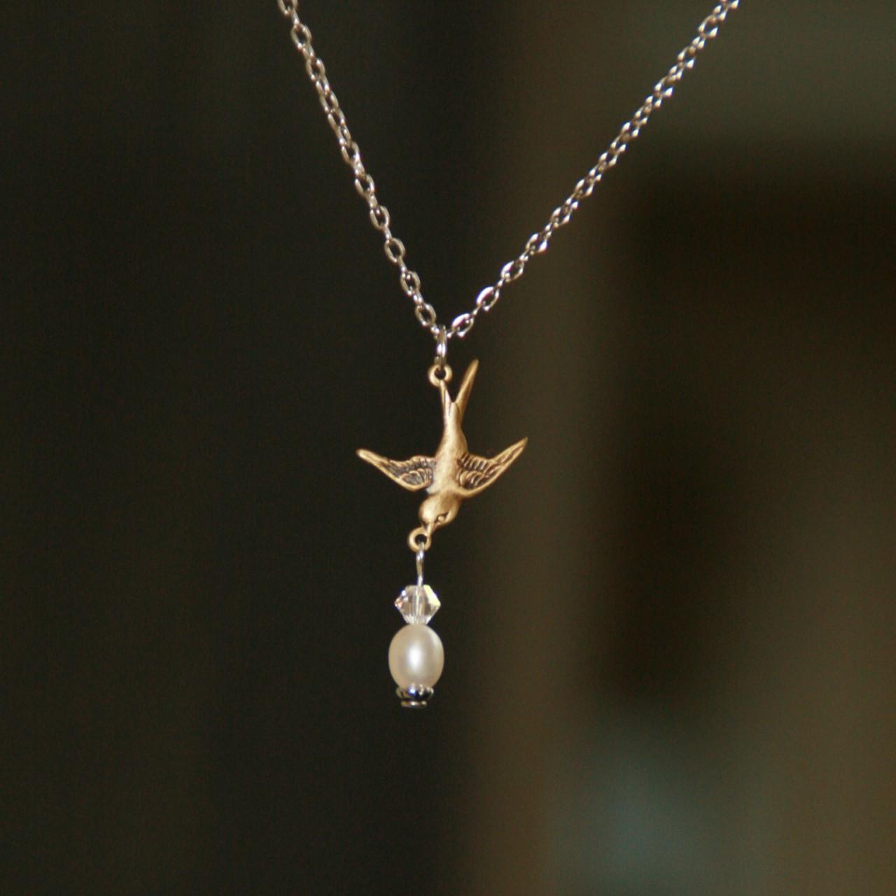 DD-7  Bird with Pearl Daydreams Necklace