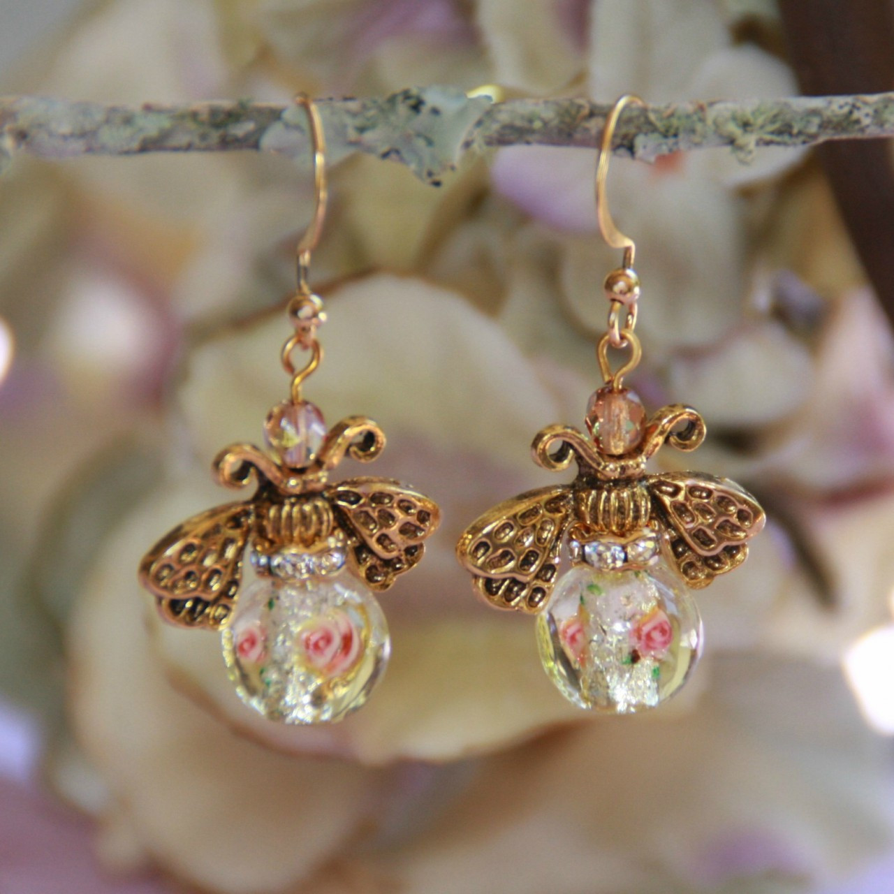 AER-21  Floral Bead Bumble Bee Earrings