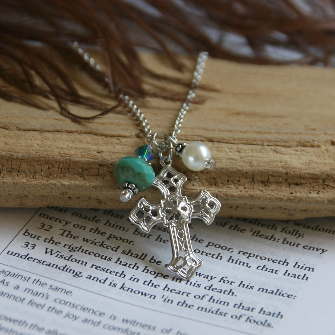 DD-6 Cross with pearl and Turqouise glass bead