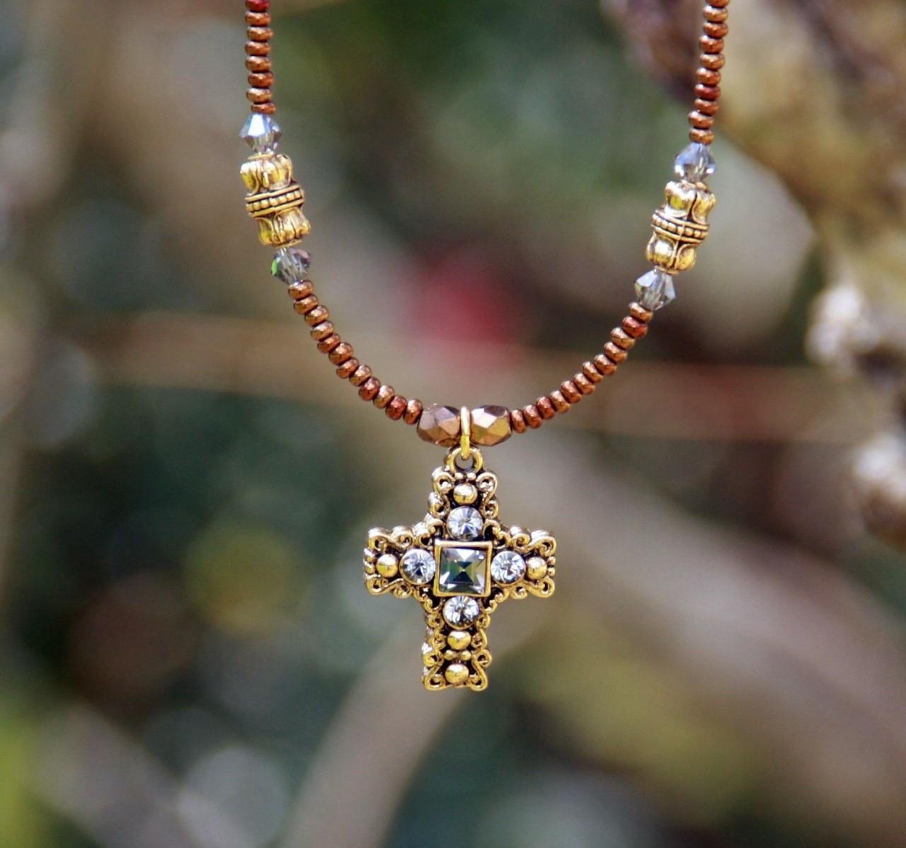 IN-604 Goldtone beautiful cross necklace