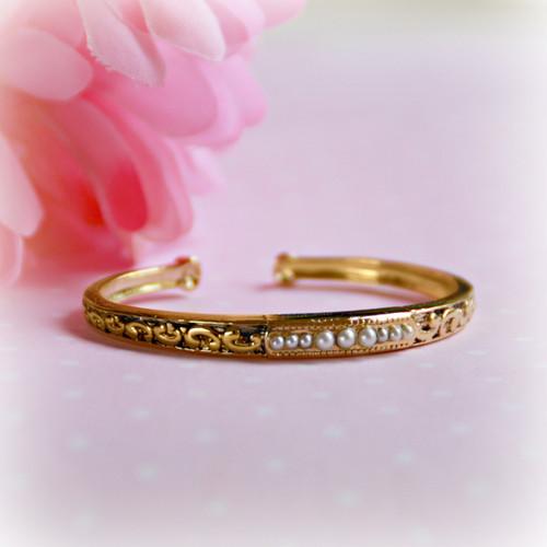 BAN-22  Infant Gold Finish Cuff Pearl Bracelet
