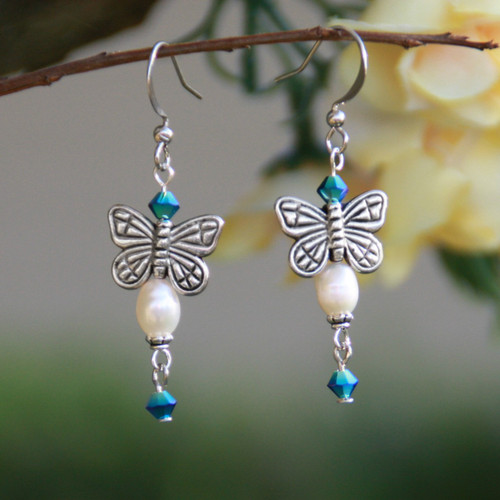 AER-17  Butterfly and Pearl Earrings