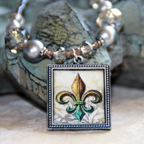 ART-217 WOW! Fleur de Lis ART Collection Necklace