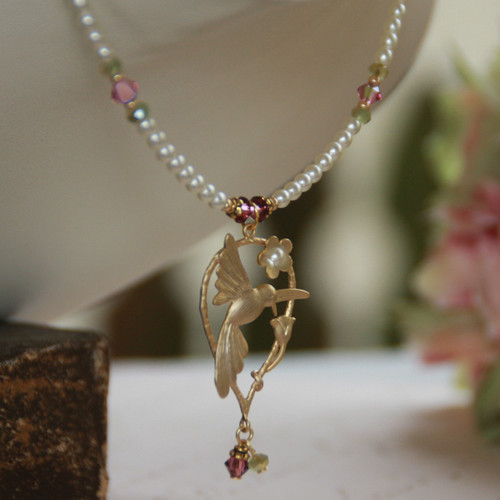 IS-639 Elegant Hummingbird Necklace