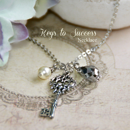 IN-504 Key to Success Necklace Great for a Graduate!