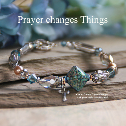 "IN-138  Center Mood Bead changes colors! ""Prayer Changes Things"" Bracelet"