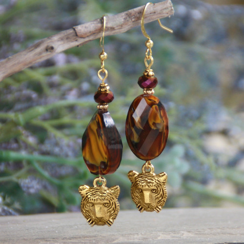 TG-31  LOVE these Tiger Earrings!