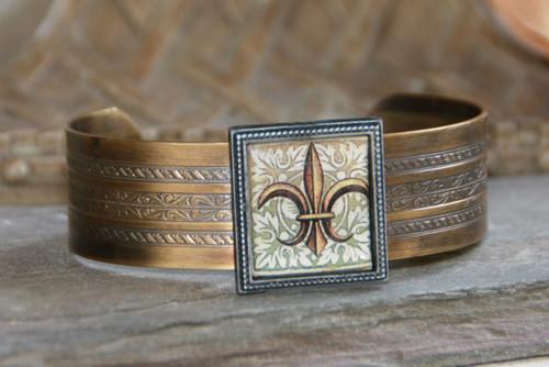 ART-103 Fleur de Lis cuff bracelet-1