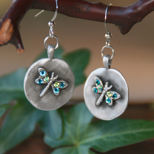 IS-130  Dragonfly Earrings Oh so Adorable!