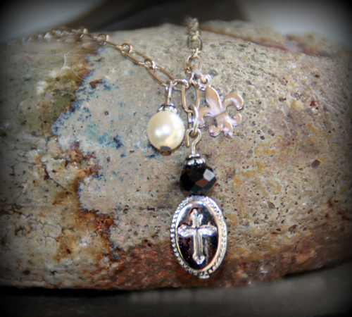 IN-492 Charm necklace