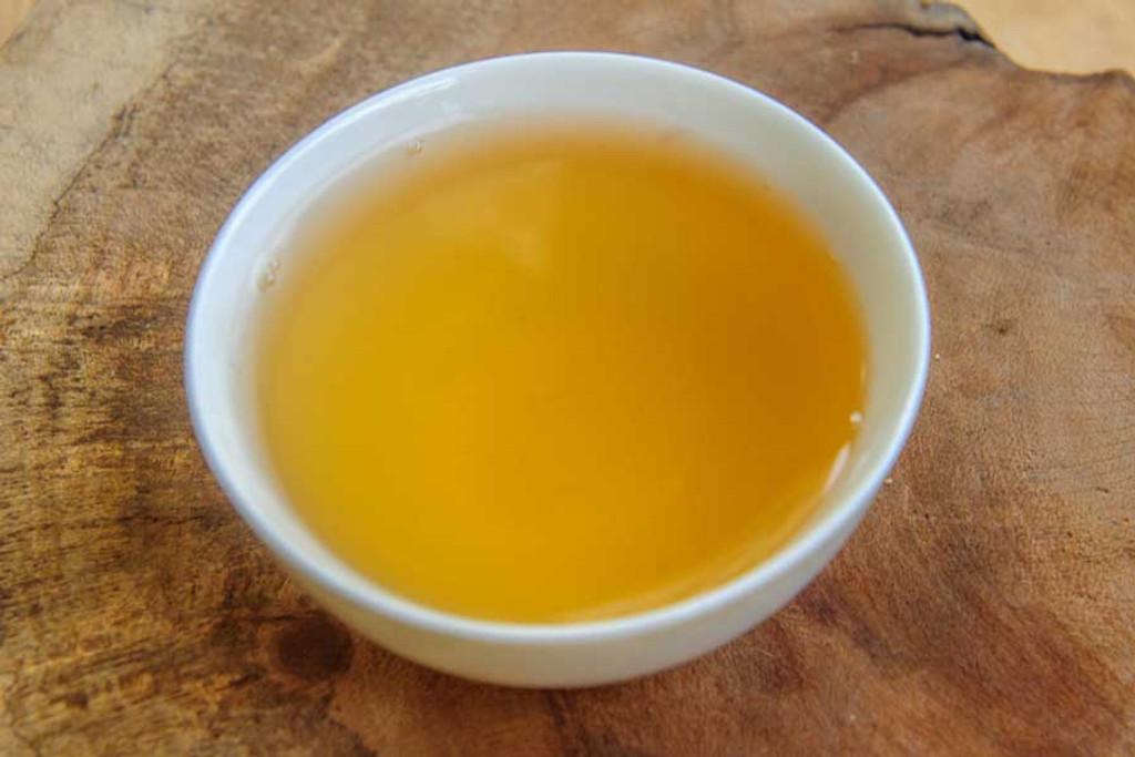 Tiny Daisy Tea Cup