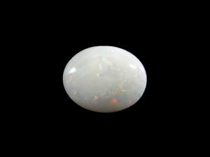 White Opal - Cabochon 8x10mm 2