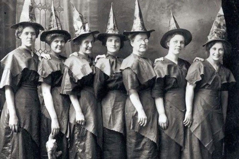 witches-costume-800px.jpg