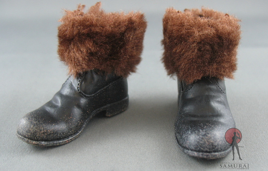 COO Model - Winter Boot - Brown Fur - Black