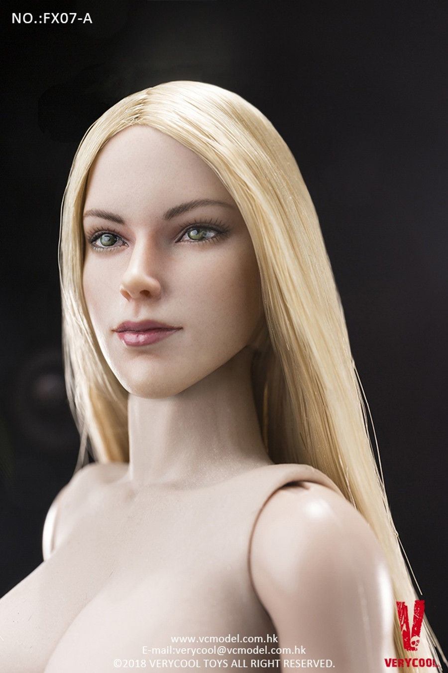 Very Cool - Supermodel Head Sculpt and Female Body Set - Golden Straight Hair