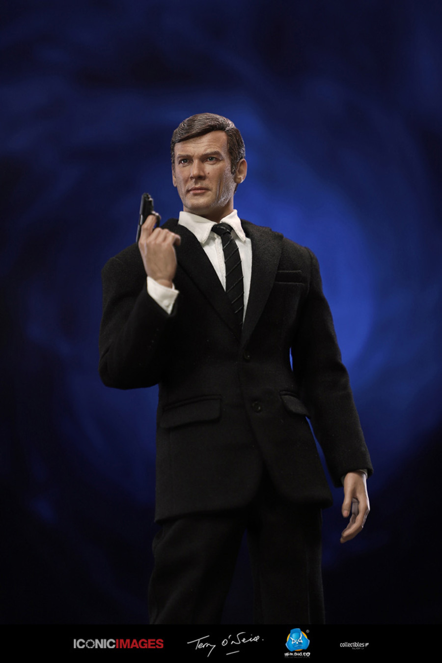 DID - Roger Moore and Agent Paul