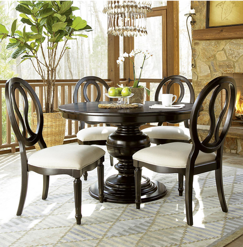 French Country Round Kitchen Table: Country-Chic Maple Wood Round Extendable Dining Table