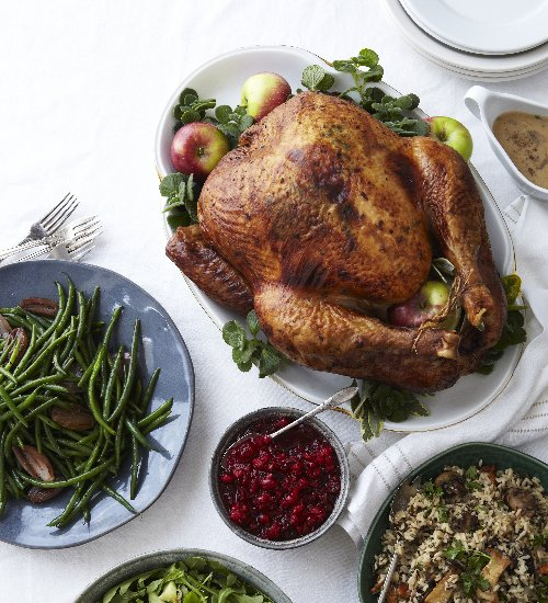 5 Thanksgiving Table Decorations Everyone Should Display