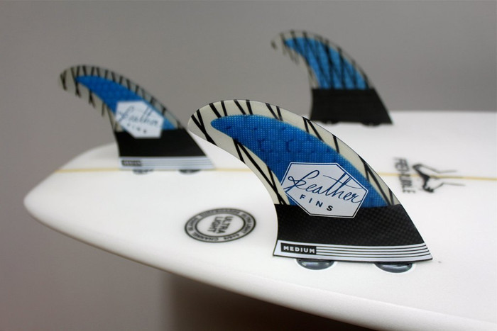 Superlight Carbon Feather Fins Large Blue Dual Tab
