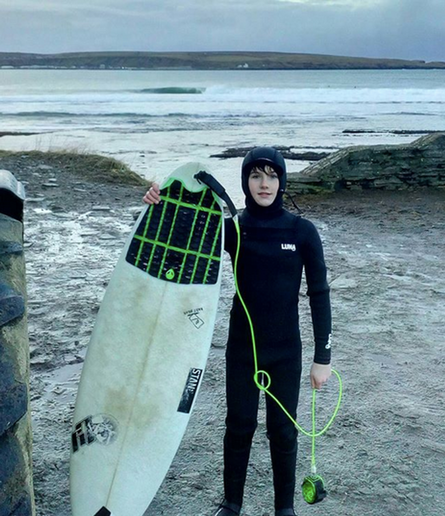 The warmest, most high performance kids winter wetsuit there is.   Scottish super grom Craig McLachlan in a kids(unisex) Lunasurf Yamamoto 6.4mm hooded wetsuit. 100% Yamamoto Japanese limestone based neoprene. Thermal hood, chest & back. Every seam is blindstitched, glued & sealed with a thin, comfortable 4-way stretch neoprene tape. Minimizing water entry & maximizing warmth retention.  Scottish under 14 & UK under 12 champ Craig riding a Lunasurf 3 piece crosshatch tailpad & 6ft comp leash - Scotland.
