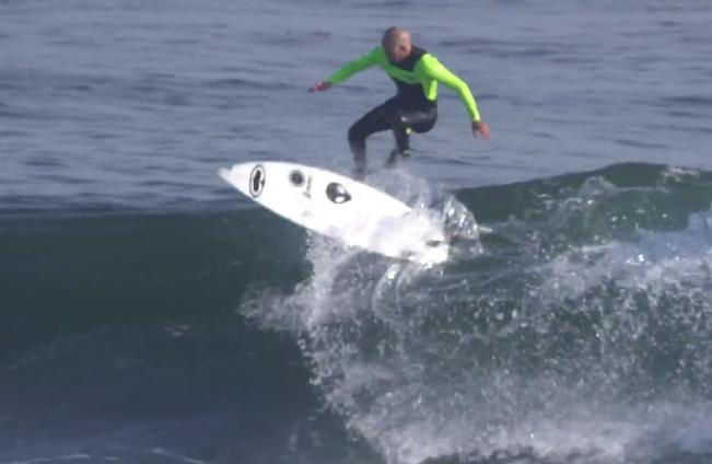 zoltan-torkos-surfing-kickflip-lunasurf-full-grip-signature-pad-.png