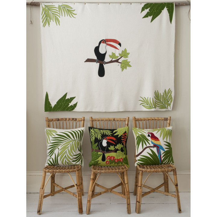 Design Tropical cushions and throw