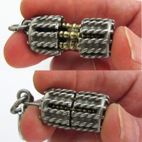 sarcomere muscle cell keychain