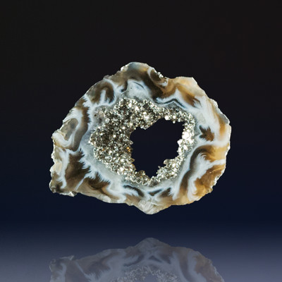 Wonderful Ocho Agate Geode Slice with Platinum, 49x40x5mm, 62 cts