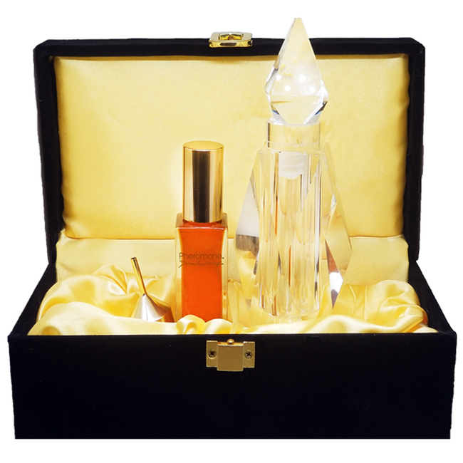 Pheromone Parfum 1oz / Crystal Bottle & Black Velvet Box - NEW