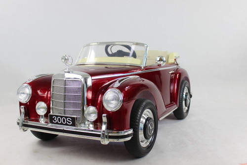 Mercedes 300S Red