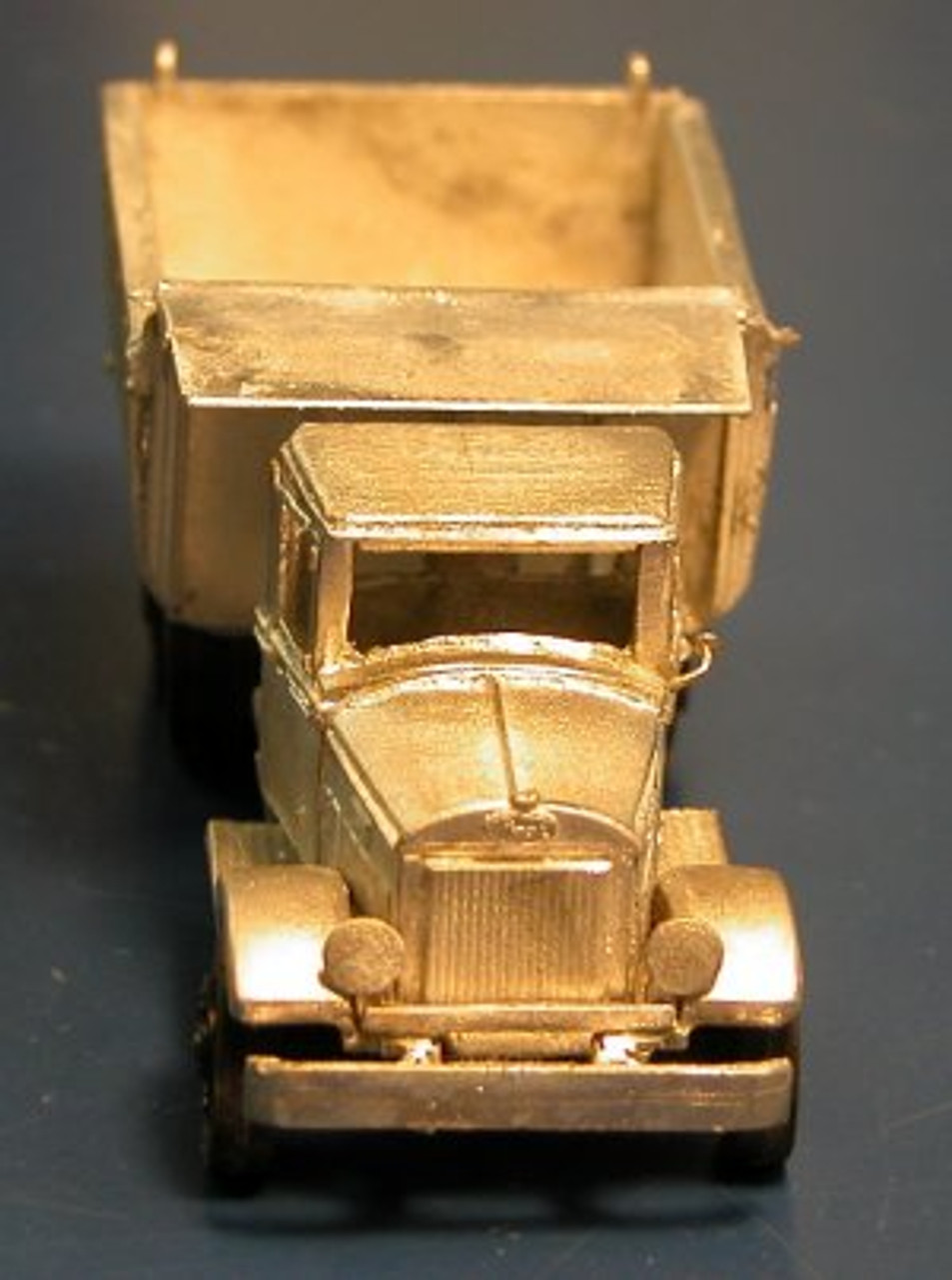 1932 Mack BM / BQ Truck with Curved Sided Dump Body Kit