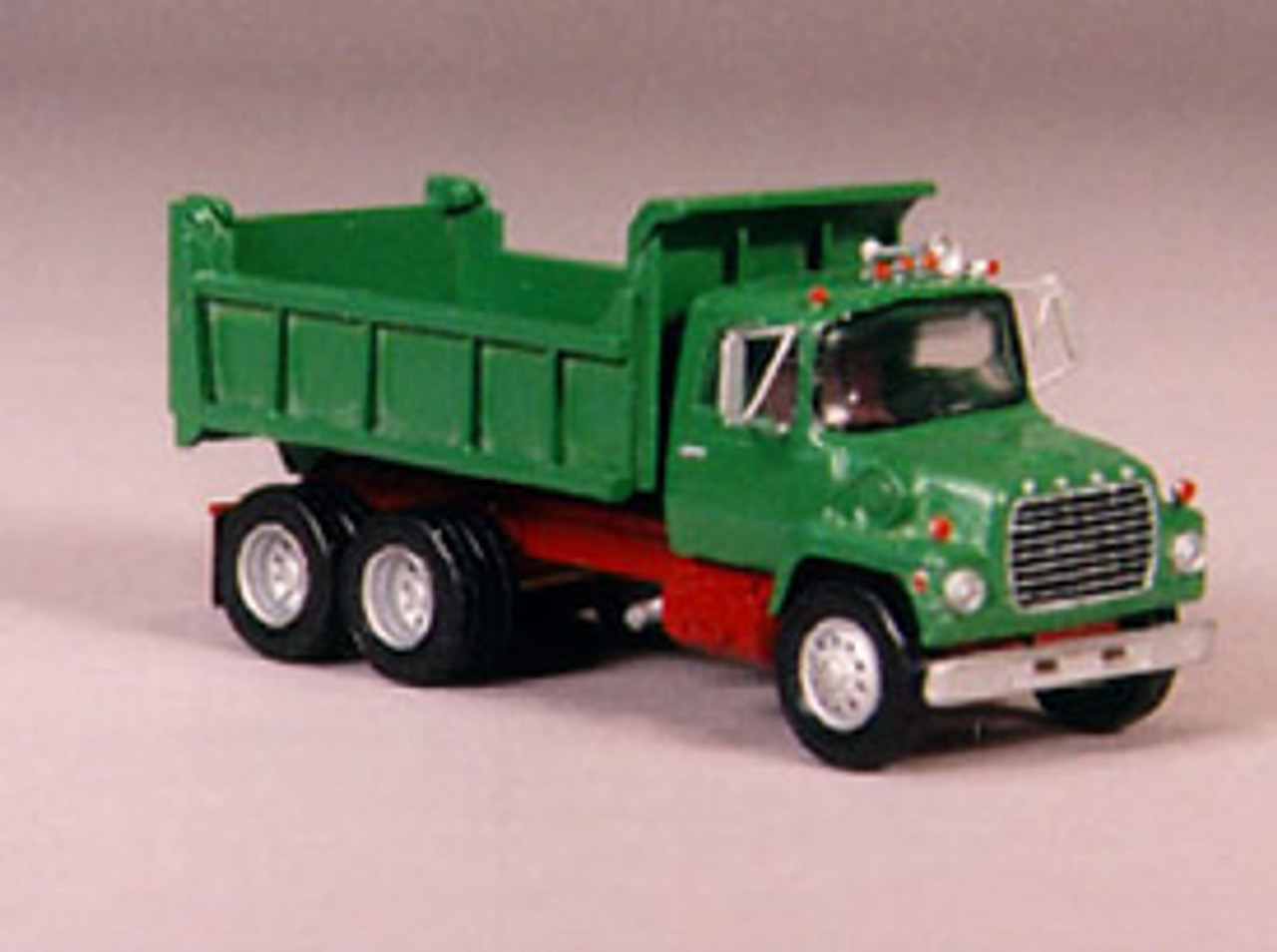 1990 Ford LN 9000 Truck with 12 ft Heil Dump Body Kit