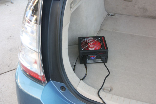 Prius Grid Charger Hybrid Battery Maintainer in action