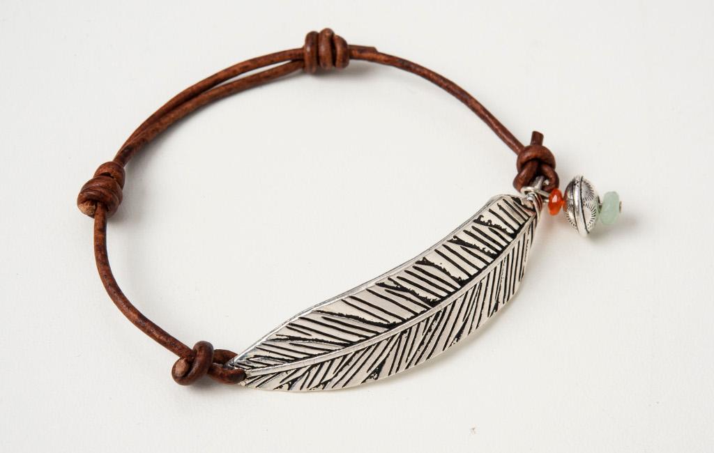 featherbracelet-onwhite-1024px.jpg
