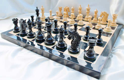 """The Centurion Knight Staunton Luxury Chess Set  with 114mm (4.5"""") King in Ebony, Chess Board & Case"""