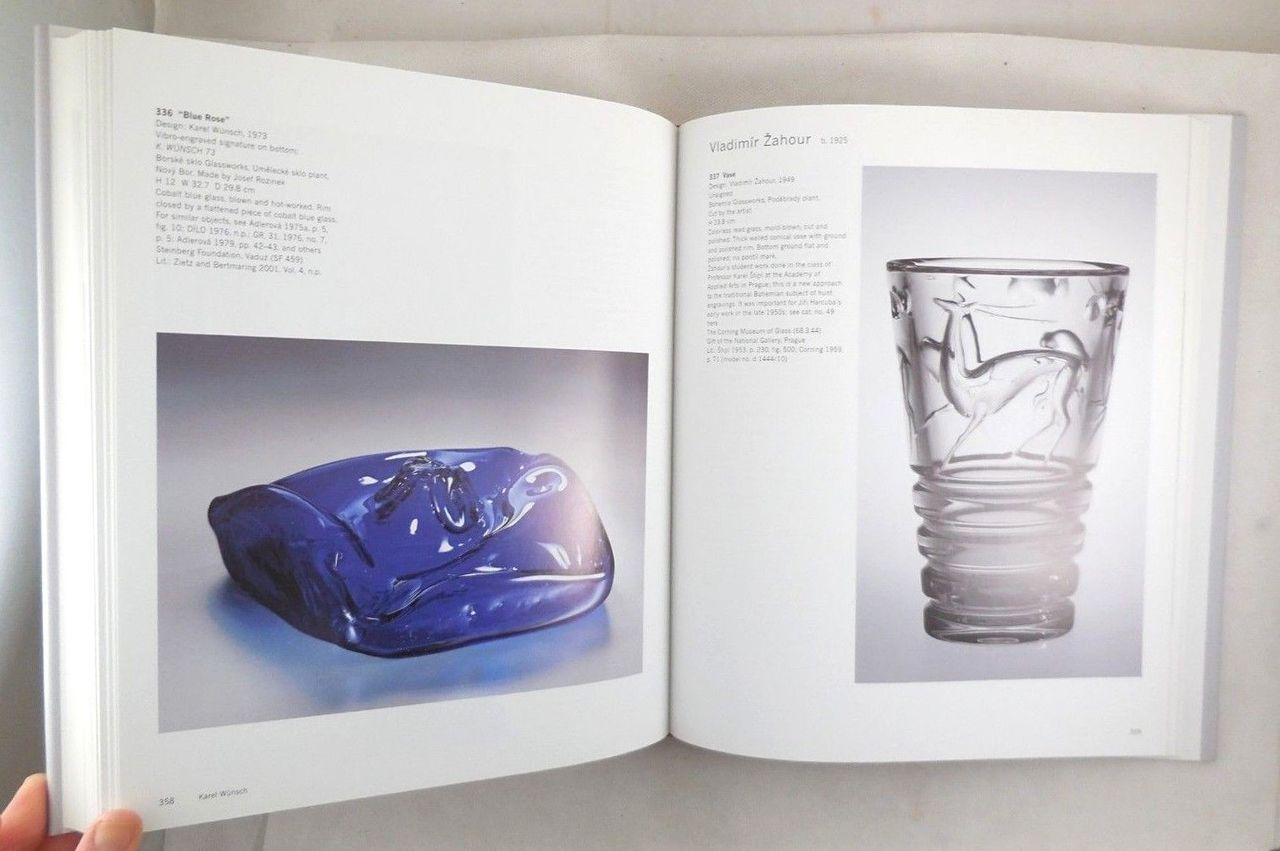 CZECH GLASS 1945-1980: DESIGN IN AN AGE OF ADVERSITY - 2005 [1st Ed]